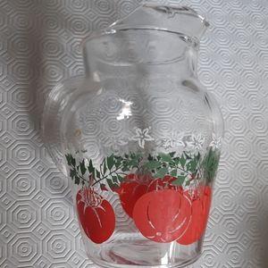 Vintage 40 oz tomato print juice glass pitcher